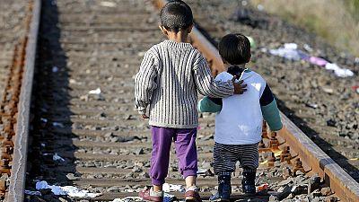 Imigrantes tentam deixar a Hungria antes que a lei aperte