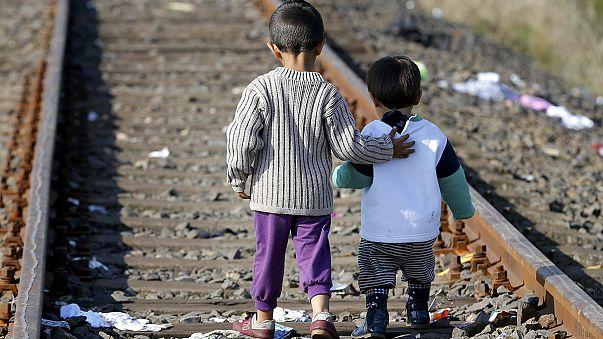 المجر تهدد بإجراءات عقابية ضد اللاجئين