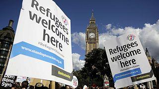 Szimpátiatüntetés a menekültekért Londonban