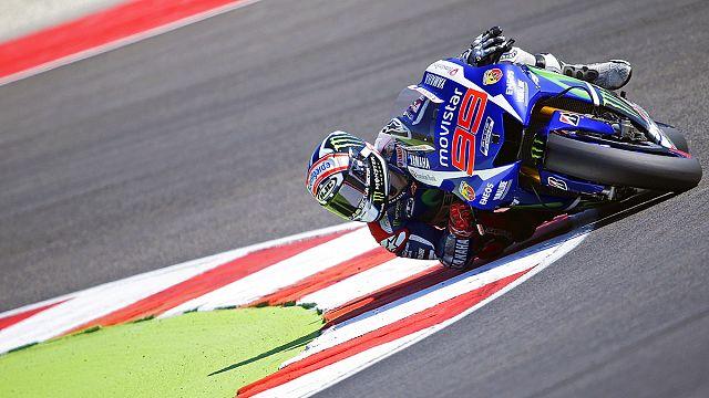 Lorenzo en pole position, Rossi en première ligne