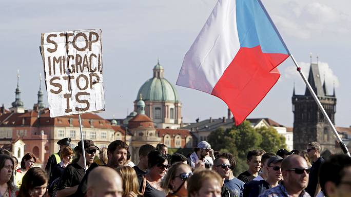 مظاهرات في براغ ووارسو وبراتيسلافا ضد استقبال اللاجئين