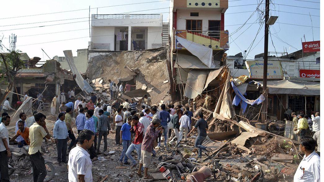Índia: explosão em restaurante provoca quase uma centena de mortos