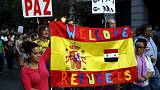 Europa dividida: milhares marcham em apoio aos refugiados enquanto outros rejeitam a sua presença