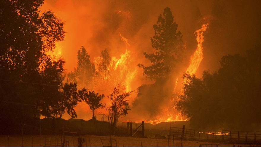 Incendio incontrolable en California