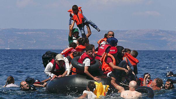 بیش از سی و چهار پناهجو در نزدیکی جزایر یونان غرق شدند