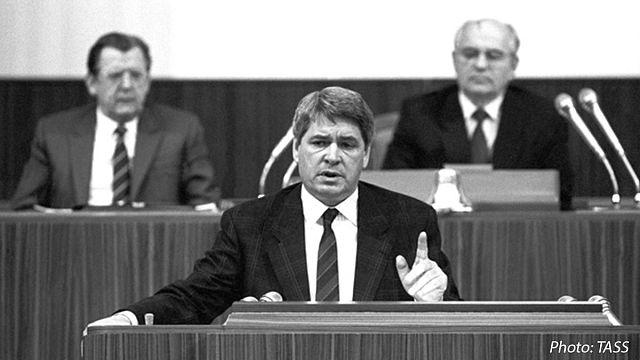 Умер основатель РГГУ Юрий Афанасьев
