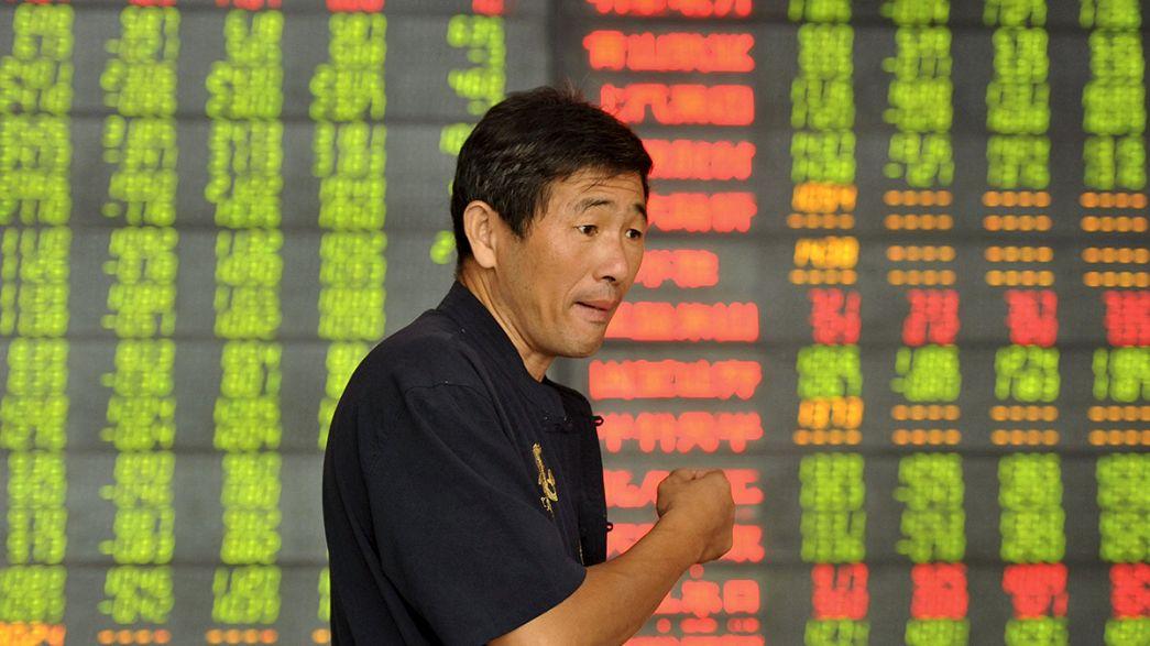 Cina, rallentano investimenti e produzione industriale