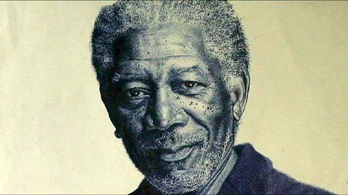 الفنان النيجيري أوسكارأوكونو يبدع في رسم البورتريه