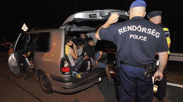 الاتحاد الأوروبي يوافق على قوة عسكرية لاعتقال مهربي البشر و مصادرة قواربهم