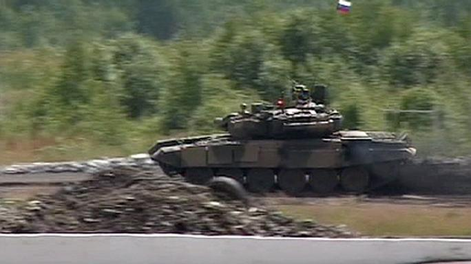 Reports of Russian tanks and artillery in Syria