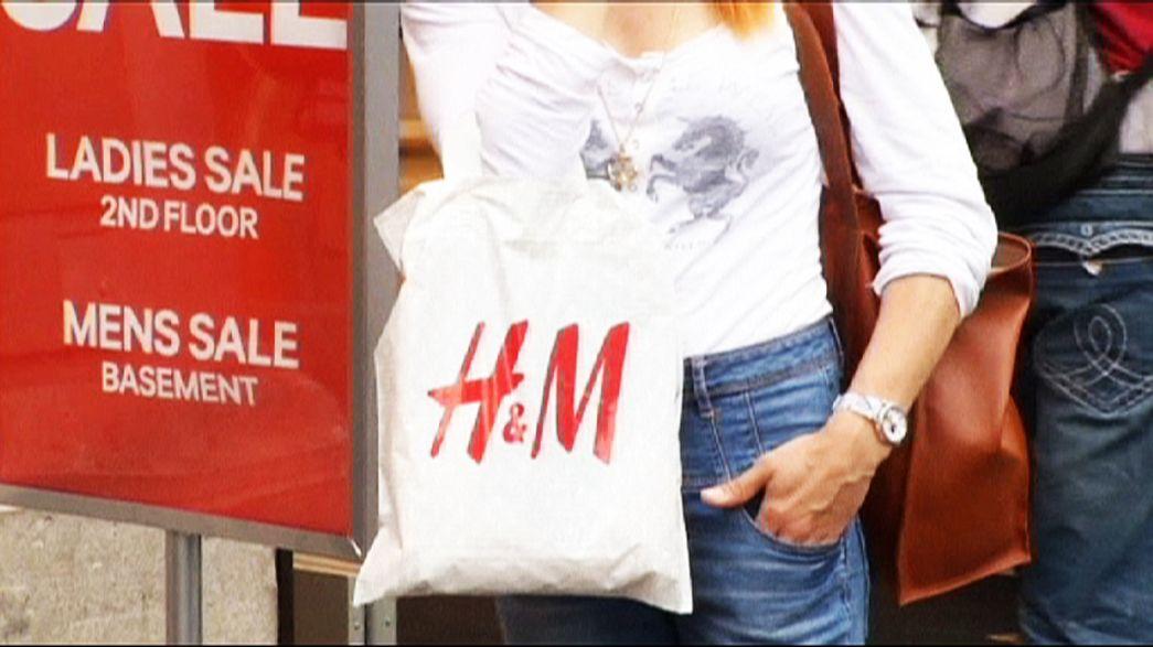 Zu heiß: H&M-Kunden lassen Klamotten links liegen