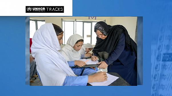 معلمة أفغانية تحصل على جائزة نانسن للاجئين