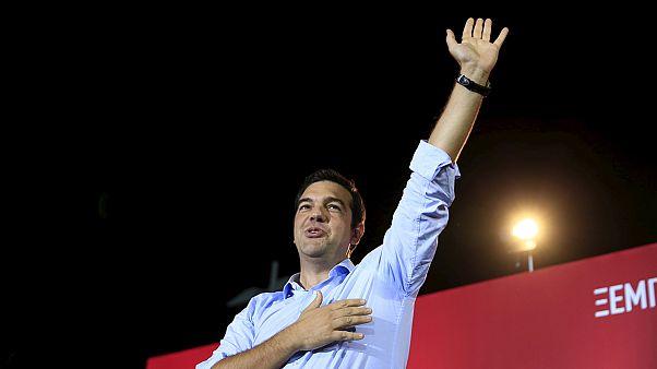 Yunanistan'da krizlerden çıkan lider Çipras