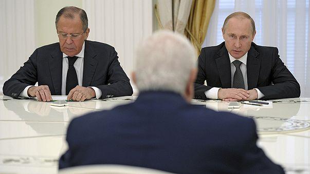 """Vladimir Putin: """"Apoiamos o governo sírio (...) porque ele enfrenta uma agressão terrorista"""""""