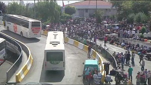 Yunanistan'a kara yoluyla girmek isteyen mülteciler Edirne'ye akın etti