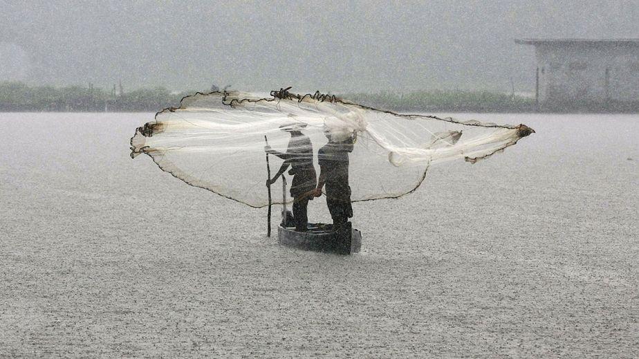 Pêche sous la pluie