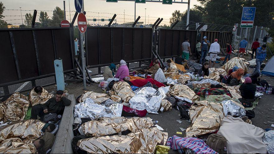 معاناة اللاجئين تتواصل من أمام معبر هورغوس الحدودي