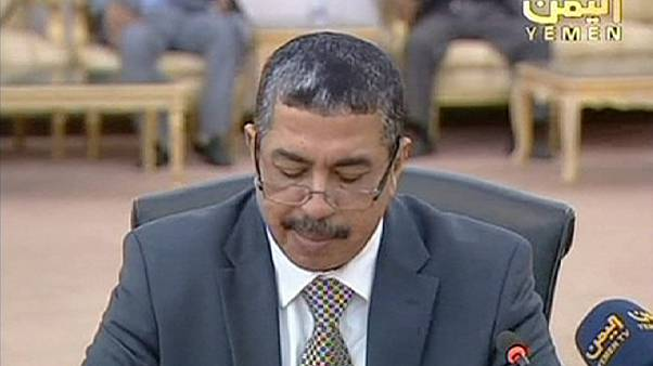 Governo iemenita volta ao país