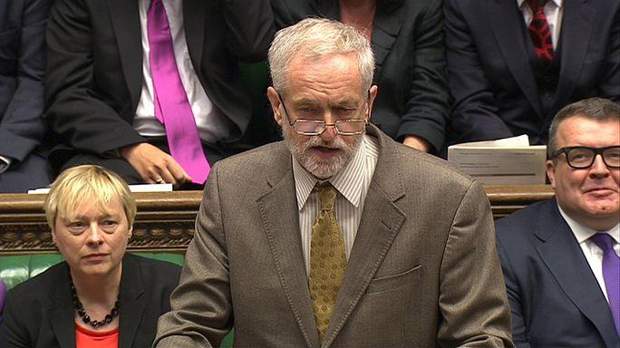 Corbyn/Cameron: nem vérre ment az első parlamenti asszó Londonban