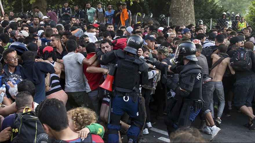 Az ENSZ főtitkárát sokkolta a rendőrök fellépése Röszkénél