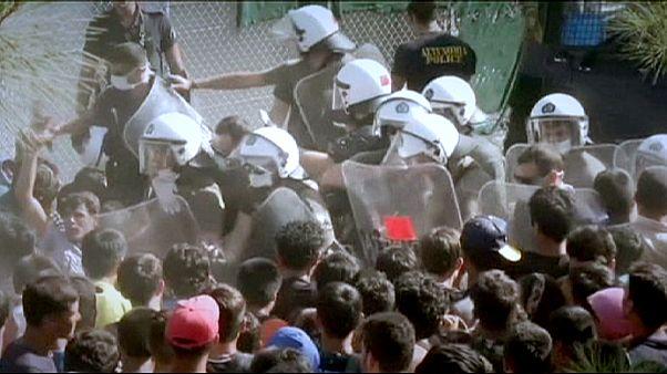 تنش میان پلیس یونان و صدها پناهجو در جزیره لسبوس