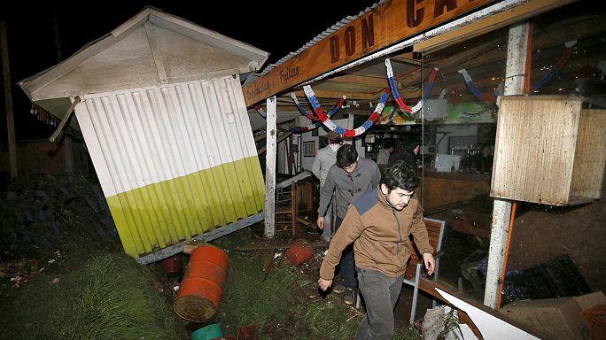 Un puissant séisme fait au moins cinq morts et des dizaines de blessés au Chili