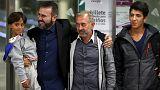 El refugiado sirio Osama Mohsen y dos de sus hijos llegan Madrid