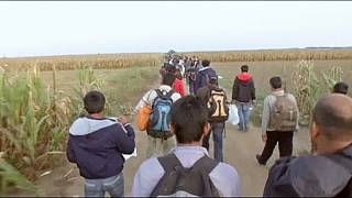 Maré de migrantes chega à Croácia
