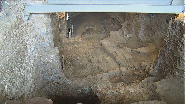 Roma'da antik bir yerleşim yerine ait kalıntılar bulundu