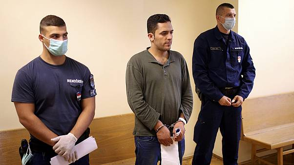 Migrantes julgados na Hungria