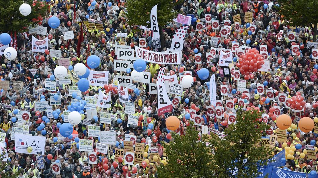 30,000 rally in Helsinki to protest proposed government cuts