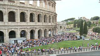 Renzi atiza a los sindicatos tras el cierre temporal del Coliseo