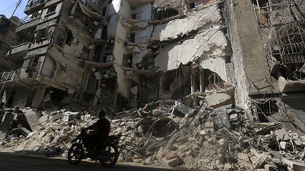قصف جوي على حلب وتدمر ومحادثات اميركية-روسية