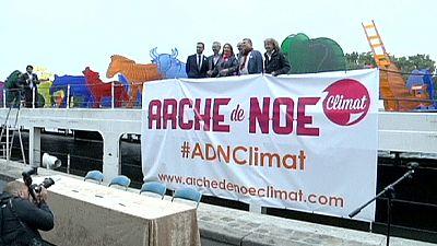 A Paris, une Arche de Noé recyclable pour illustrer le changement climatique