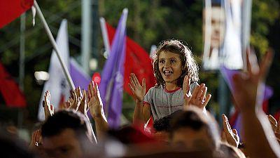 Grèce : Syriza légèrement en tête des intentions de vote