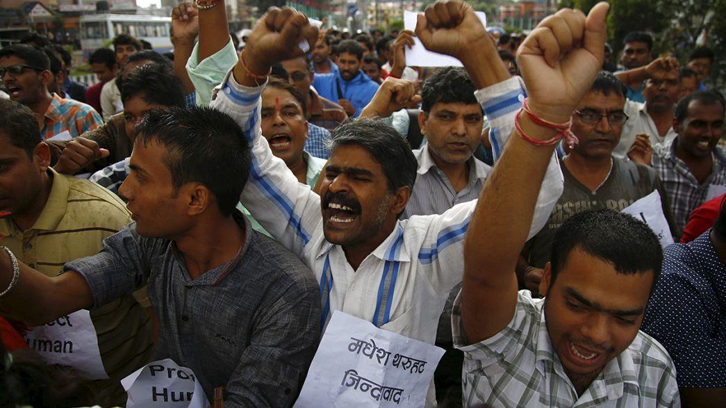 Nepal'de yeni anayasa gerginliği