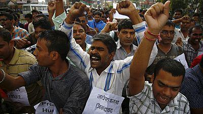 Nepal avança com nova Constituição mas os protestos não páram