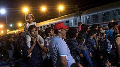Refugiados: Hungria e Eslovénia acusam Croácia de não assumir responsabilidades
