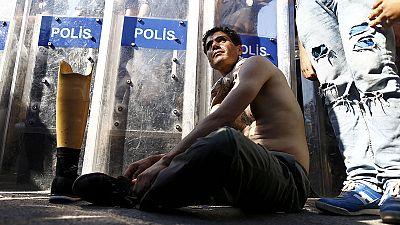 Davutoglu intercederá ante la UE por los refugiados sirios que quieren ir a Europa