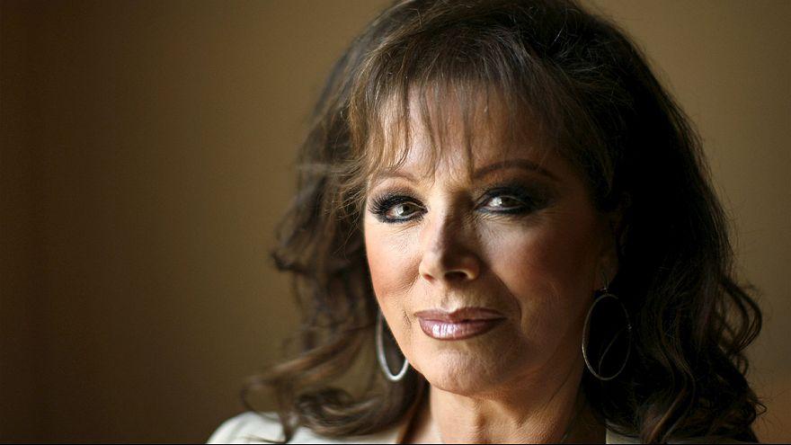 Fallece Jackie Collins, la reina de las novelas de amor y venganza