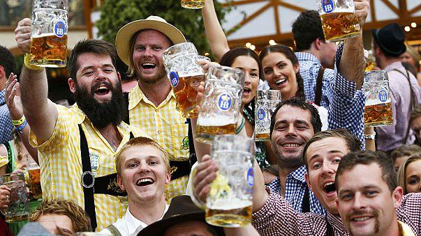 Окторберфест в Мюнхене принимает гостей