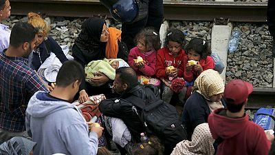 Croazia: i rifugiati assaltano i treni alla stazione di Tovarnik