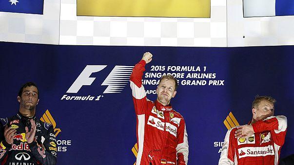 F1, la notte Rossa di Singapore: Vettel trionfa, Hamilton si ritira