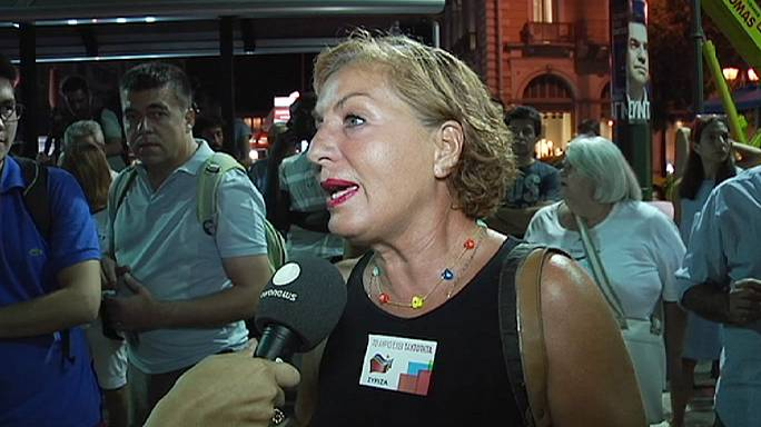 Yunan seçmen Syriza'ya bir şans daha verdi
