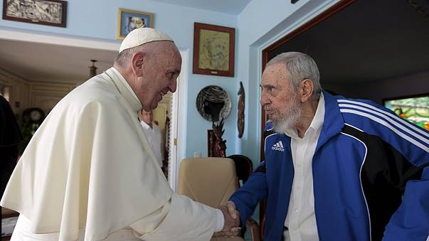 Papa Francis Küba'da Fidel Castro ile görüştü