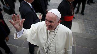 Tens of thousands of Cubans hear Pope's Mass