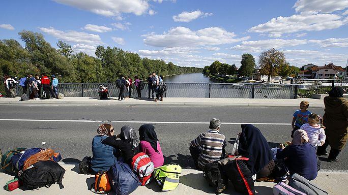 موسم البرد يقترب و لا حلول بعد لأزمة اللاجئين