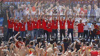 Spanische Basketballer in Madrid empfangen