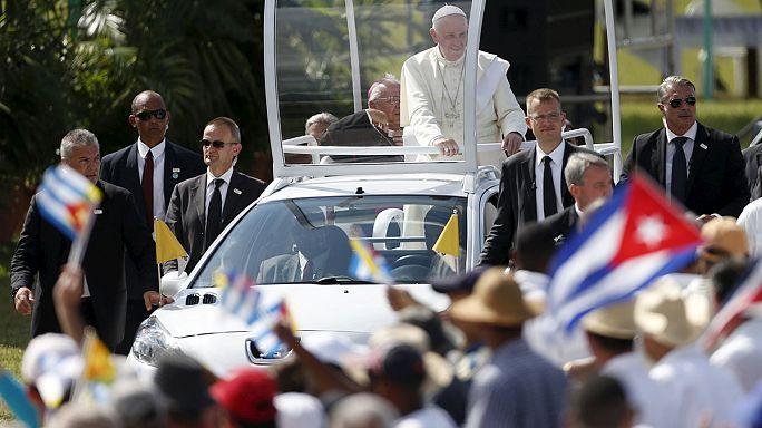 Papa Francis, Castro'nun doğduğu şehirde ayin yönetti