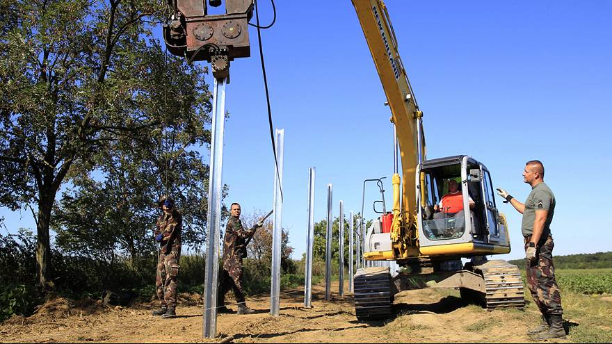 Hungría aprueba que el Ejército vigile las fronteras del país y utilice armas no letales